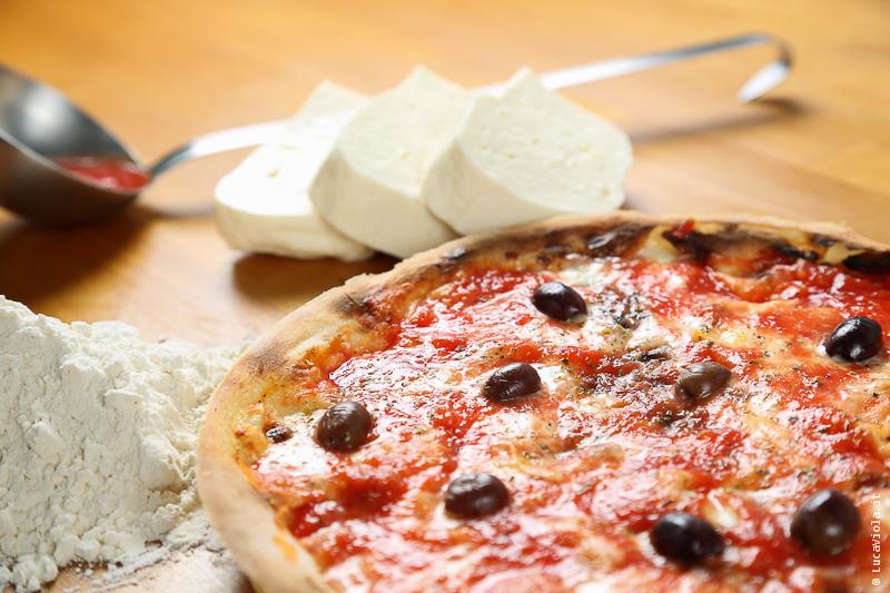 Focaccia Tipo Recco Pizzata